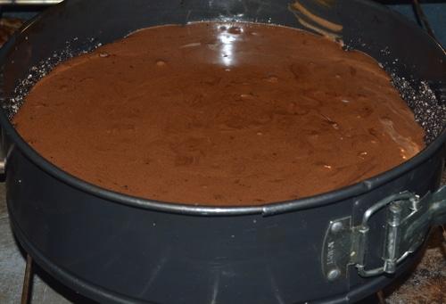 Baileys' cheesecake baking