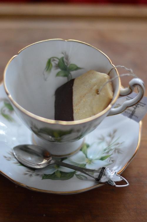 tea bag cookie in a tea cup