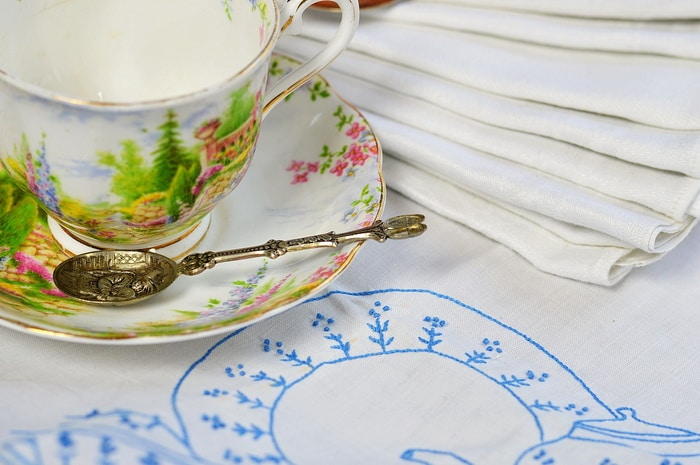 Finding linens in secondhand stores, garage sales, and antique malls can be fun. Know the characteristics of linen textiles so you can spot easily spot them