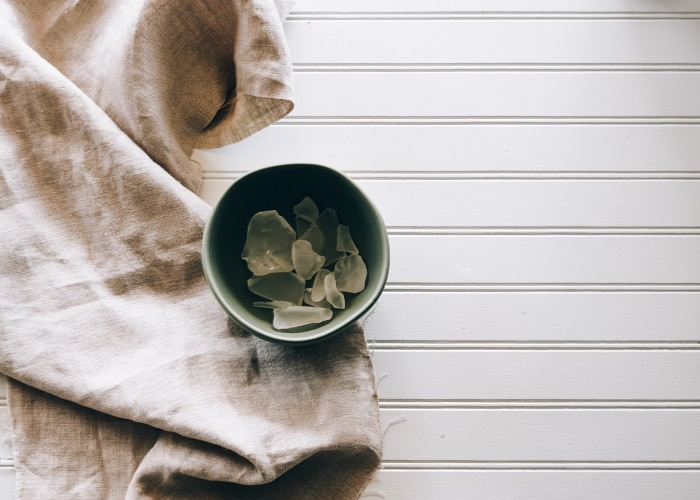 Vintage Linens can still be found - in grandmas linen cupboard and in second-handstores. Learn how to identify and use vintage linen in your cozy home.